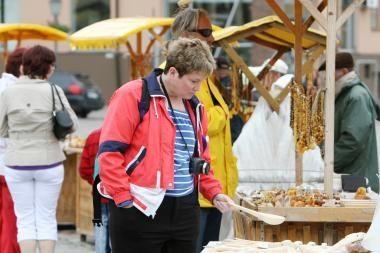Turistus į Klaipėdą vilios užsienio parodose
