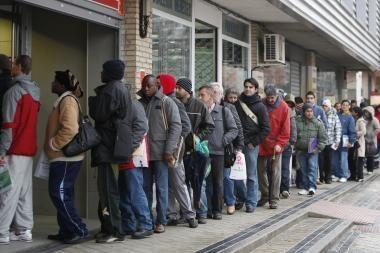Ispanija ir Graikija žada griežtai taupyti. Ar ne per vėlai?