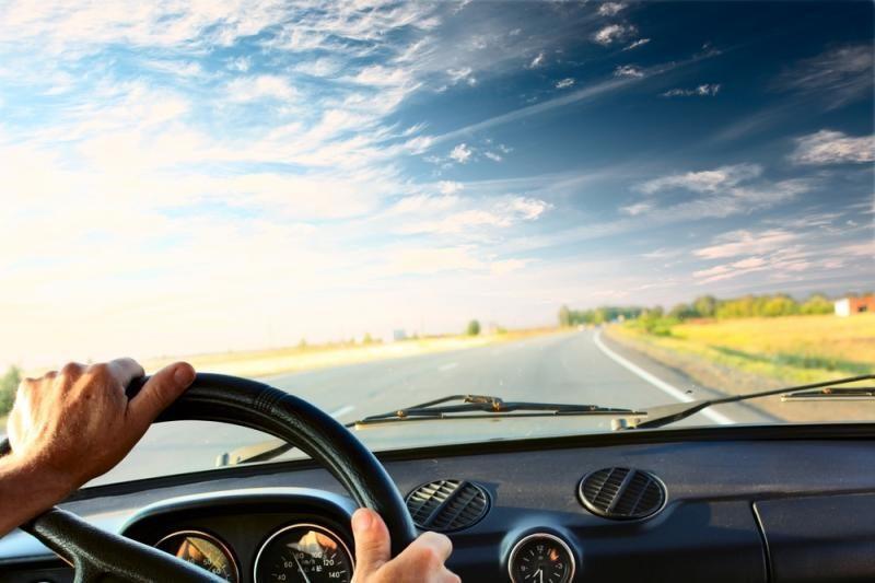 Britas teigia kenčiantis nuo vairavimo priklausomybės