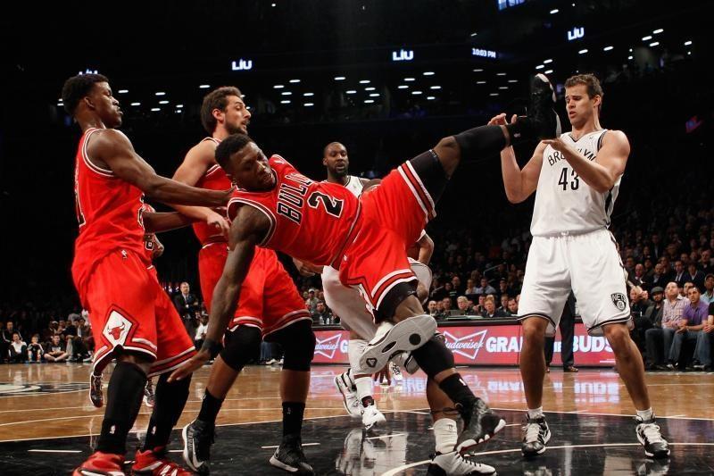 """L. Dengo ir J. Noah vedama """"Bulls"""" ekipa išlygino serijos rezultatą"""