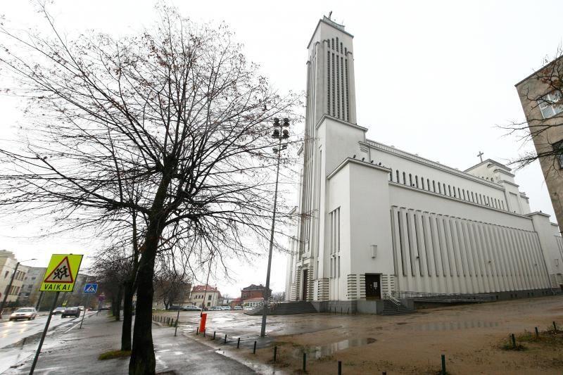 Prisikėlimo bažnyčiai atiteks ne visi geradarių paaukoti pinigai