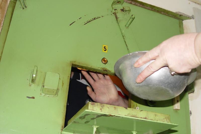 Areštinėje bausmę atliekantis vyras paskelbė bado akciją