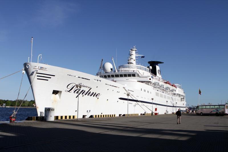 """Kruizų sezoną Klaipėdoje atidarė laivas """"Princess Daphne"""""""