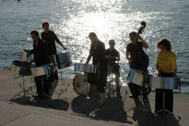 Mokytojų namuose - Karibų ritmai