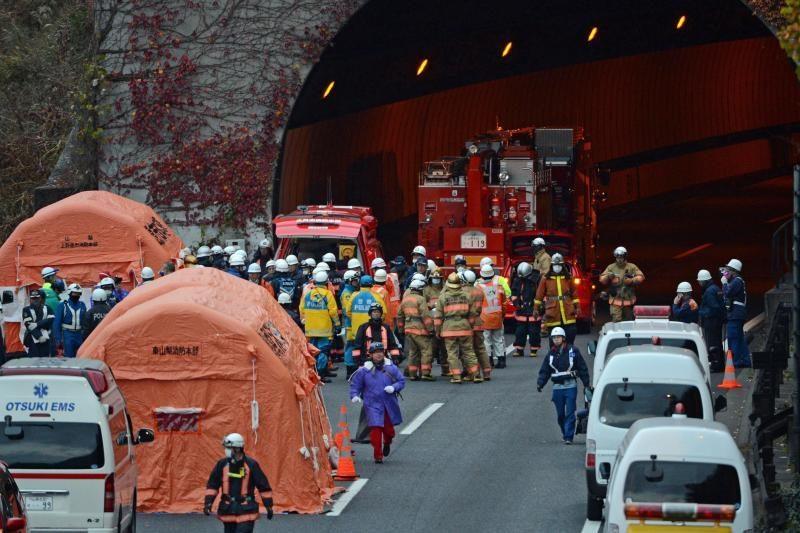 Japonijoje per gaisrą įgriuvusiame tunelyje dingo septyni žmonės