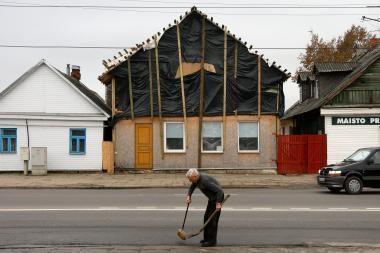 Dainavos seniūnas A.Malinauskas namą rekonstruoja nelegaliai