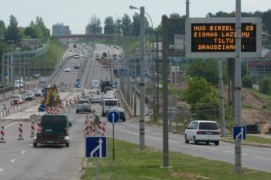 Transporto eismas Lazdynų tiltu - švelninami ribojimai