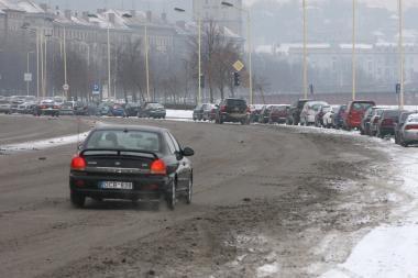 Pradėjus snigti eismo sąlygos Kaune neblogos (papildyta)