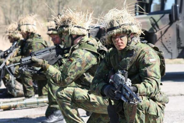Į NATO greitojo reagavimo ar ES pajėgas Lietuva galės siųsti iki 255 karių ir civilių