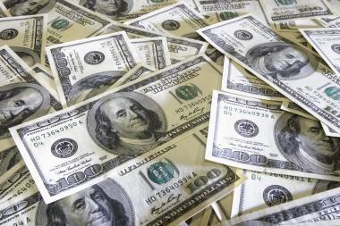 JAV skola išaugo iki rekordinių 13 trln. JAV dolerių