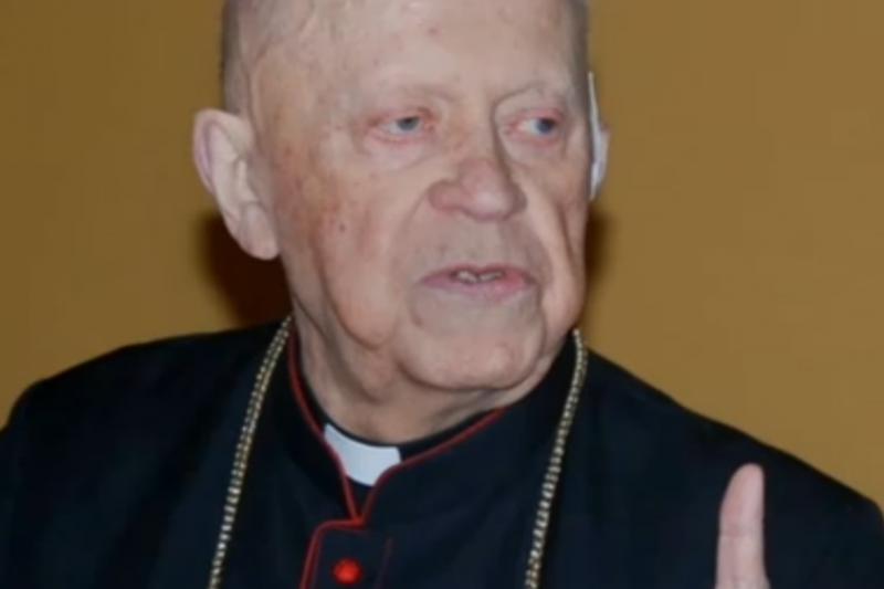 Lenkijoje mirė vyskupas, slapta statęs bažnyčias