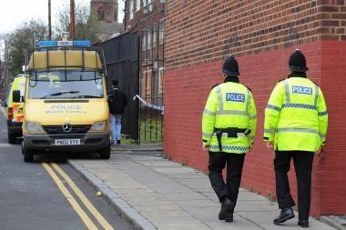 Anglijoje ir Velse ketinama atleisti 40 tūkst. policininkų