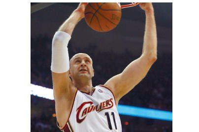 Ž.Ilgausko klubas NBA čempionate įveikė L.Kleizos ekipą
