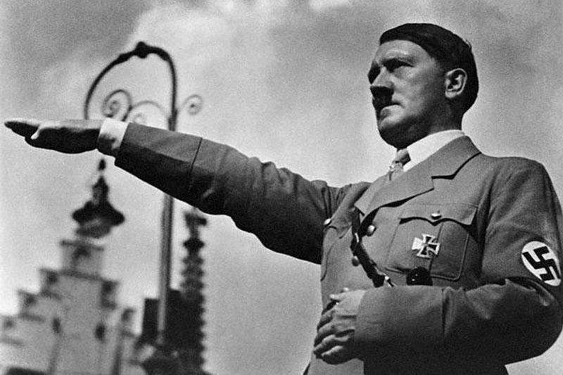 Holokausto muziejus aprašinėtas Hitlerį šlovinančiais užrašais
