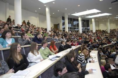 Studentas už pasiūlytą kyšį pašalintas iš MRU