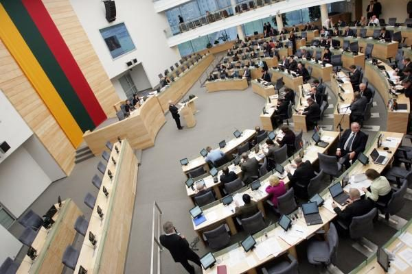 Po apkaltos į Seimą siūloma kandidatuoti po 8 metų