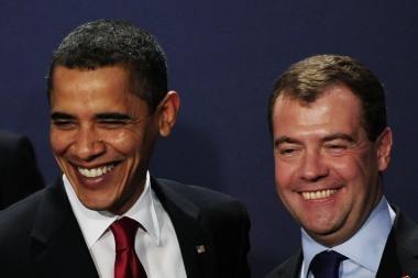 B.Obamos prašoma atkreipti dėmesį į žmogaus teisių pažeidimus Rusijoje