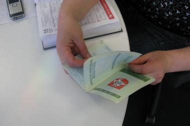Vyriausybė nepritaria siūlymui originalias pavardes rašyti tik ne pagrindiniame paso puslapyje