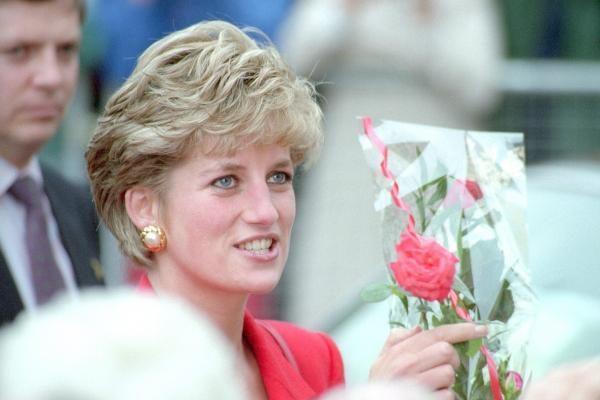 Už Velso princesės Dianos sukneles – 4 milijonai litų