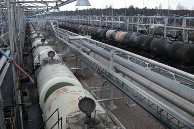 Naftos kainos pakilo aukščiausiai per pustrečių metų