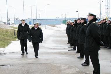 Karinių jūrų pajėgų vadas atsisveikino su tarnyba