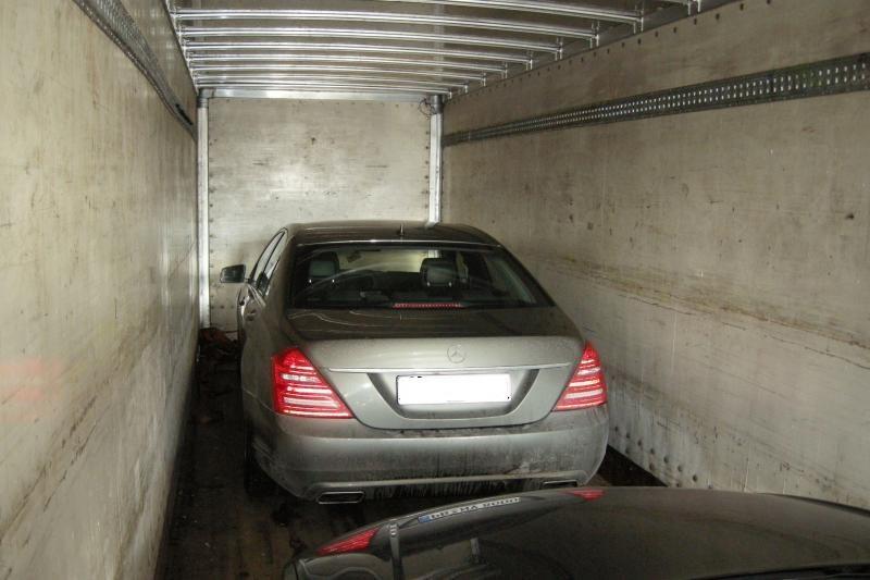 Vokietijoje vogti prabangūs automobiliai sulaikyti Kazlų Rūdoje