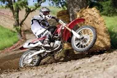 Motociklų sporto sezonas startuos Pakruojyje