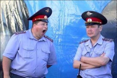 Rusijoje girtas milicininkas partrenkė tris mergaites, viena jų žuvo