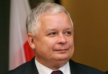 Rusija perdavė lenkams paskutinius dokumentus, susijusius su prezidento lėktuvo katastrofa