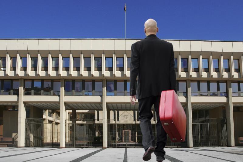 Seimas taupo parlamentarų ir jų padėjėjų išeitinėms kompensacijoms