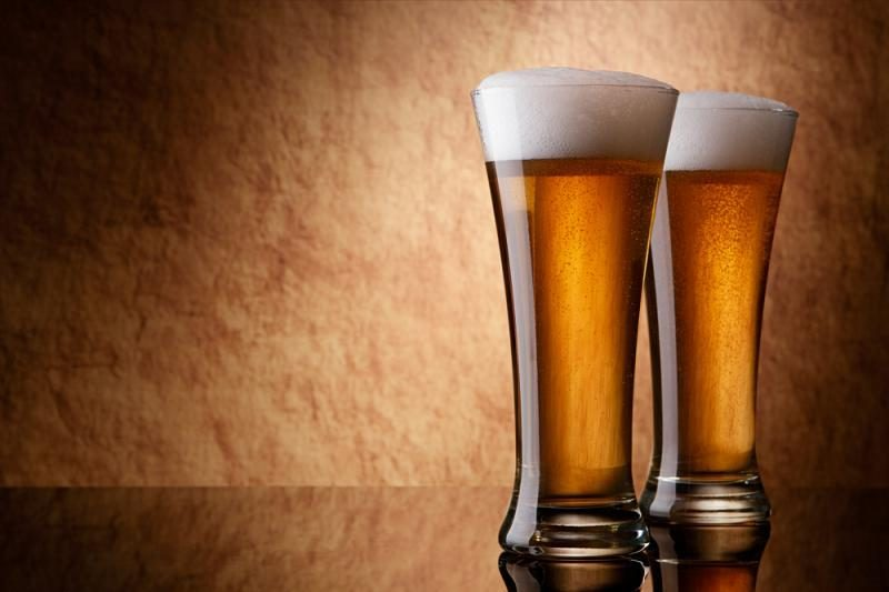 Seimo komitetas nori visiškai uždrausti alkoholio reklamą nuo 2016 m.