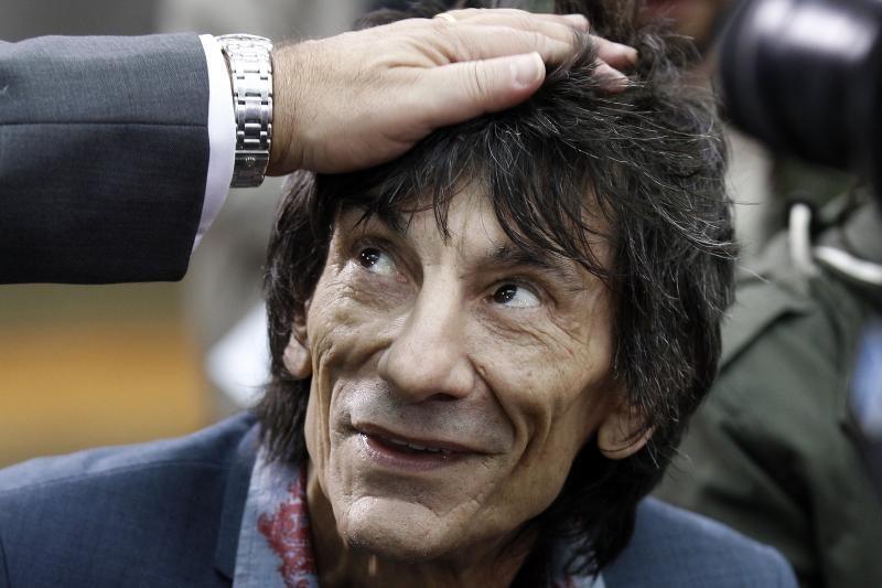 """""""The Rolling Stones"""" žvaigždė antrąkart tapo seneliu"""