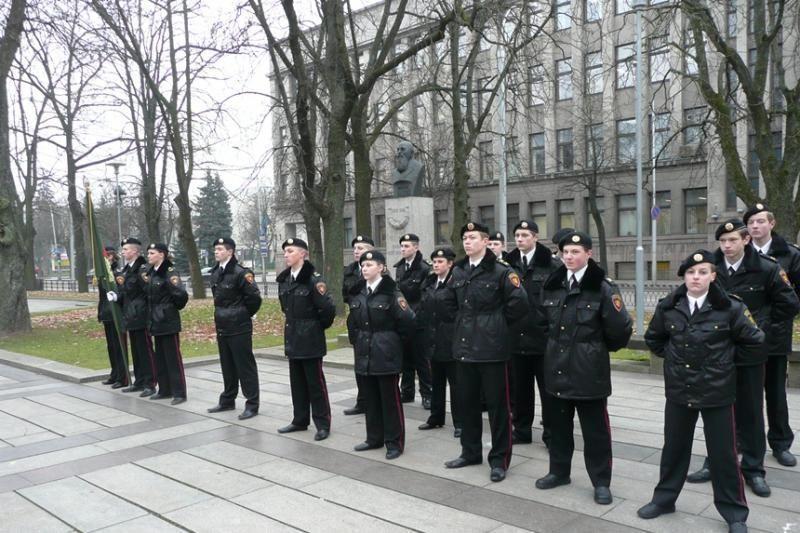 Iškilmingai prisiekė generolo P. Plechavičiaus mokyklos mokiniai