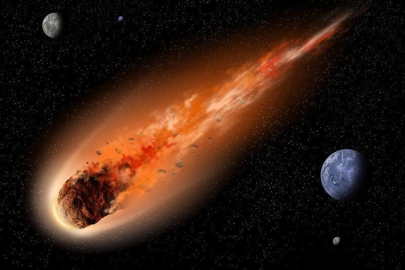 Fotografė Britanijoje užfiksavo dar vieną meteoritą ar NSO?