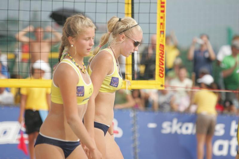Lietuvės - pasaulio paplūdimio tinklinio čempionato pusfinalyje