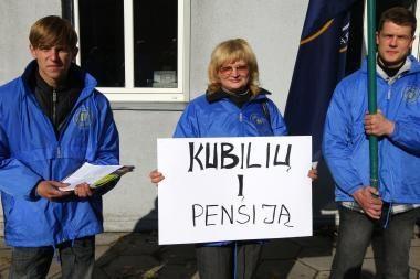 Vyriausybei taupant, profsąjungų protestai kažin ar ką duoda, sako premjeras
