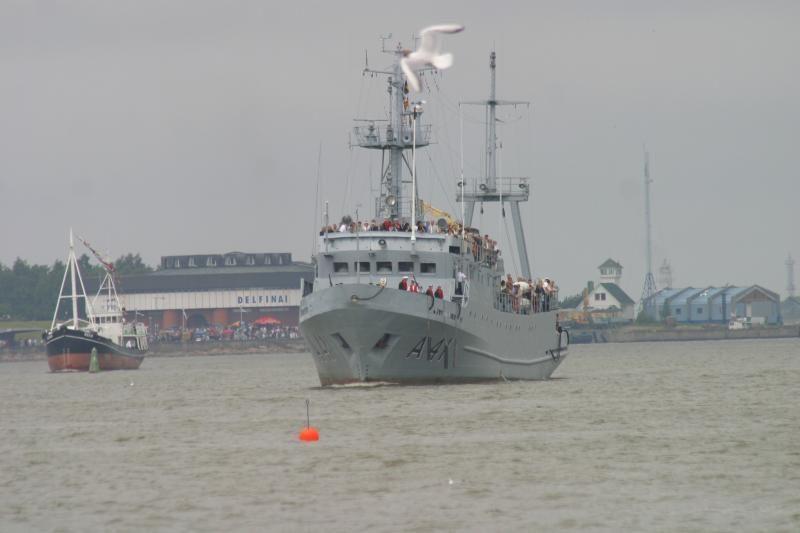 Kariniai laivai dalyvaus žuvusiems jūroje atminti ceremonijoje