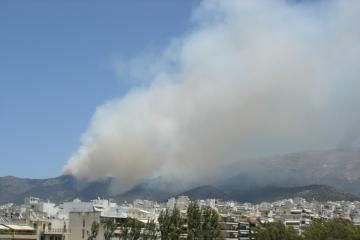 Atėnuose vėl siaučia gaisrai