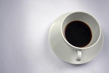 Mergina degalinėje vogė kavą