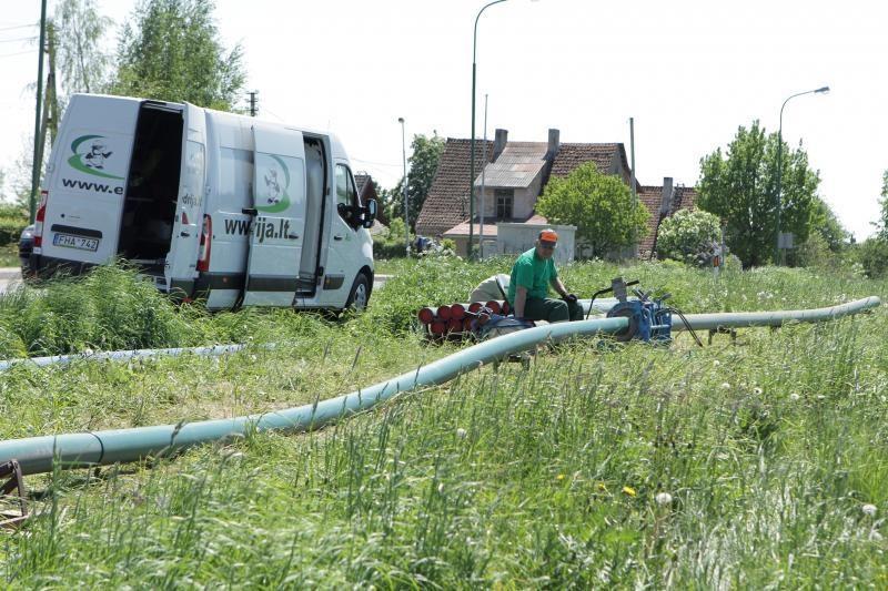 Nustatys kainą už naudojimąsi privačiais vandens tiekimo ir nuotekų tinklais