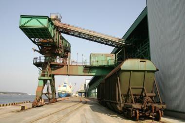 Rusija dalį krovinių nori nukreipti aplenkdama Klaipėdą