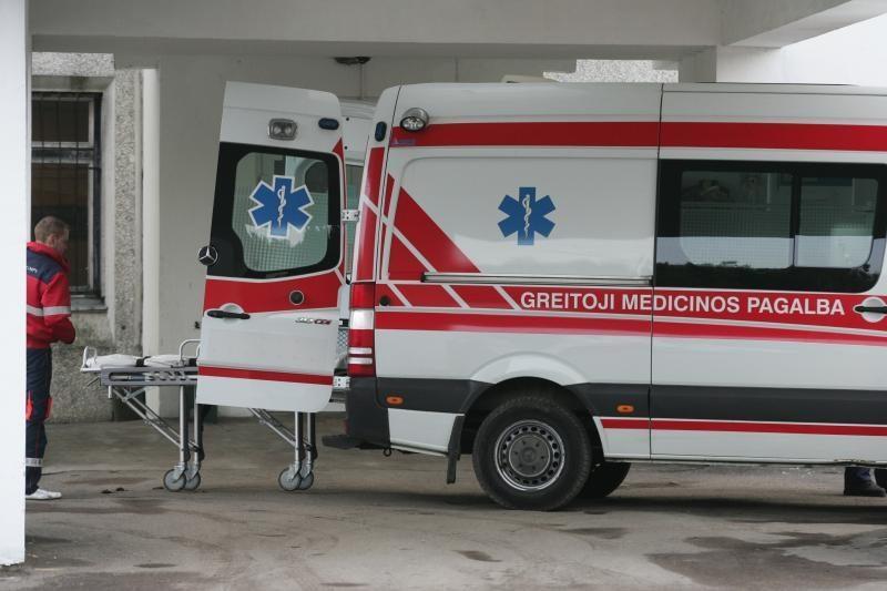 Alytaus rajone susidūrė trys mašinos, sužaloti keturi žmonės
