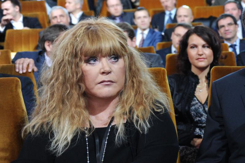 A. Pugačiova pastebimai    atjaunėjo   (foto)