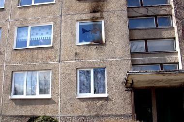 Į pasieniečio namus skriejo Molotovo kokteilis