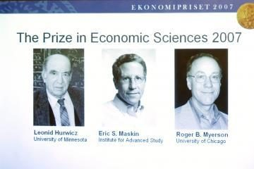 Mirė seniausias Nobelio premijos laureatas L.Hurwiczas