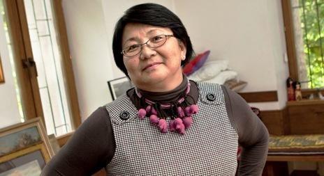 Pietų Kirgizijoje įniršę protestuotojai sumušė ministrę