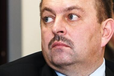 Pasiūlyta iš naujo peržiūrėti sprendimus dėl V.Navicko ir Š.Skučo