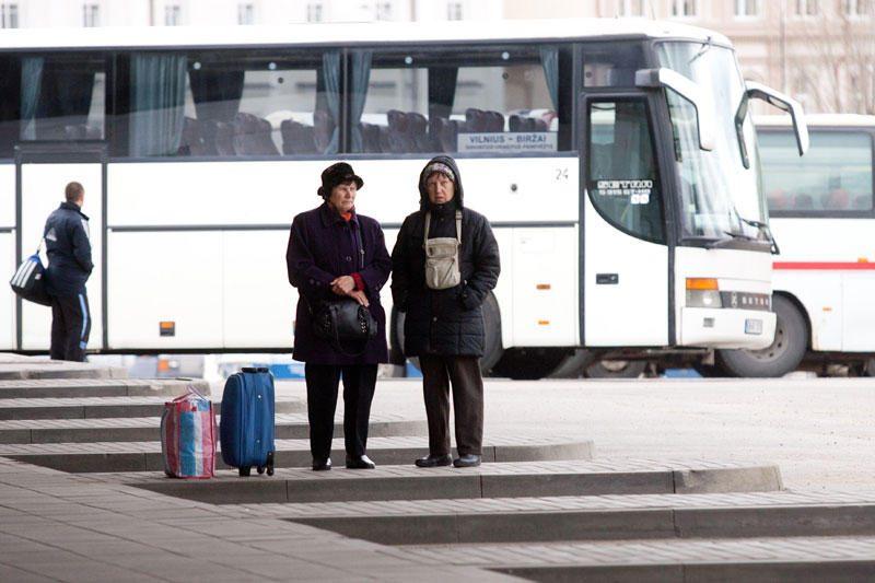 Brangstantis kuras kelia tarpmiestinių autobusų bilietų kainas