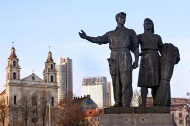 Dauguma gyventojų – prieš Žaliojo tilto skulptūrų nukėlimą