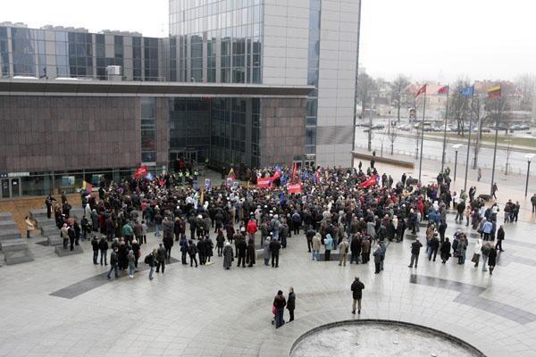 Vilniuje protestavo tūkstantinė tautinių mažumų atstovų minia